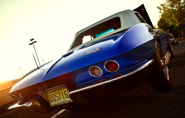 chevrolet corvette c2 sting ray coupe