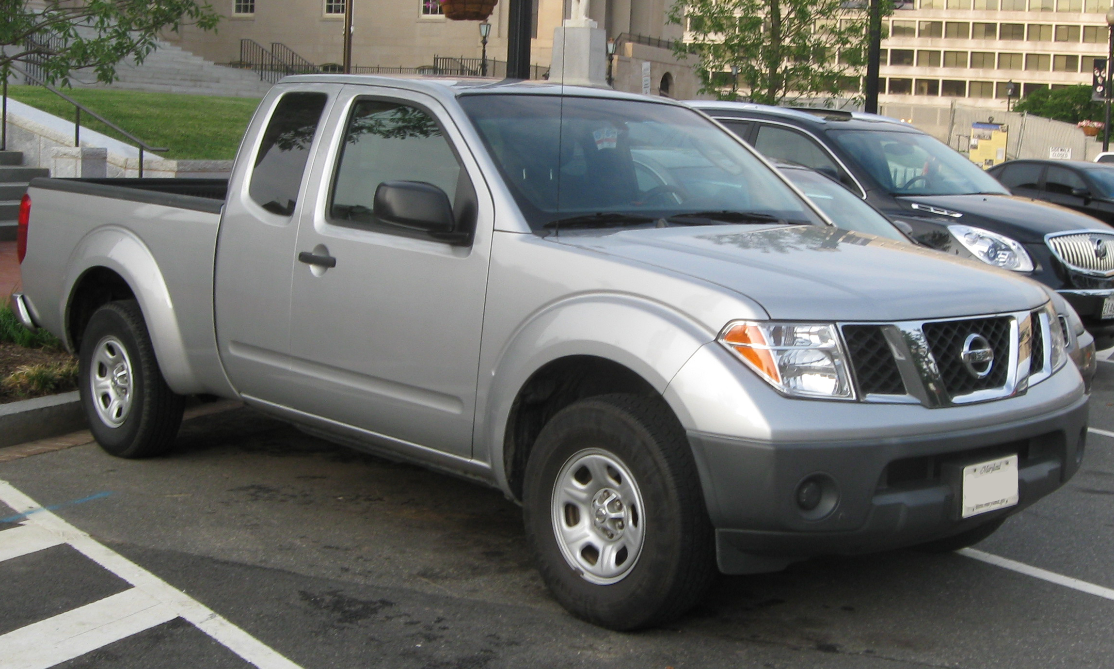 nissan frontier extended cab