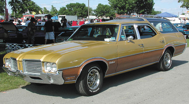 oldsmobile cutlass vista cruiser