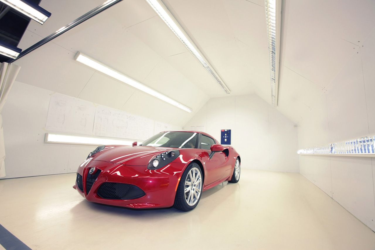 Alfa Romeo's Return to Fame and Success to be through its Sporty 4C