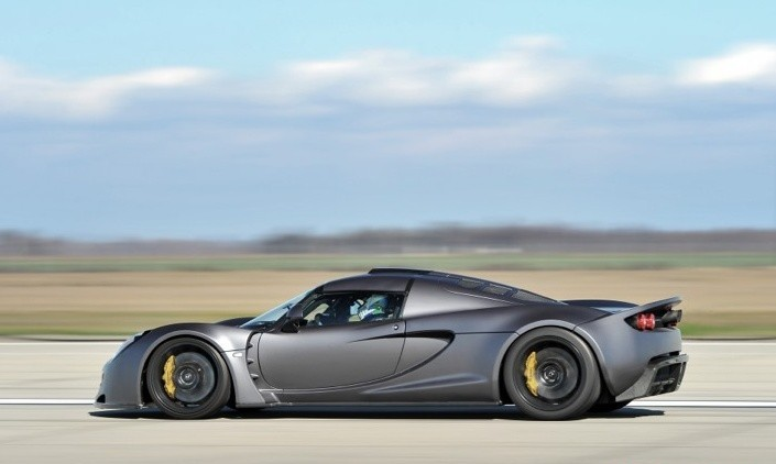 Hennessey Venom GT became the fastest road car in the world.