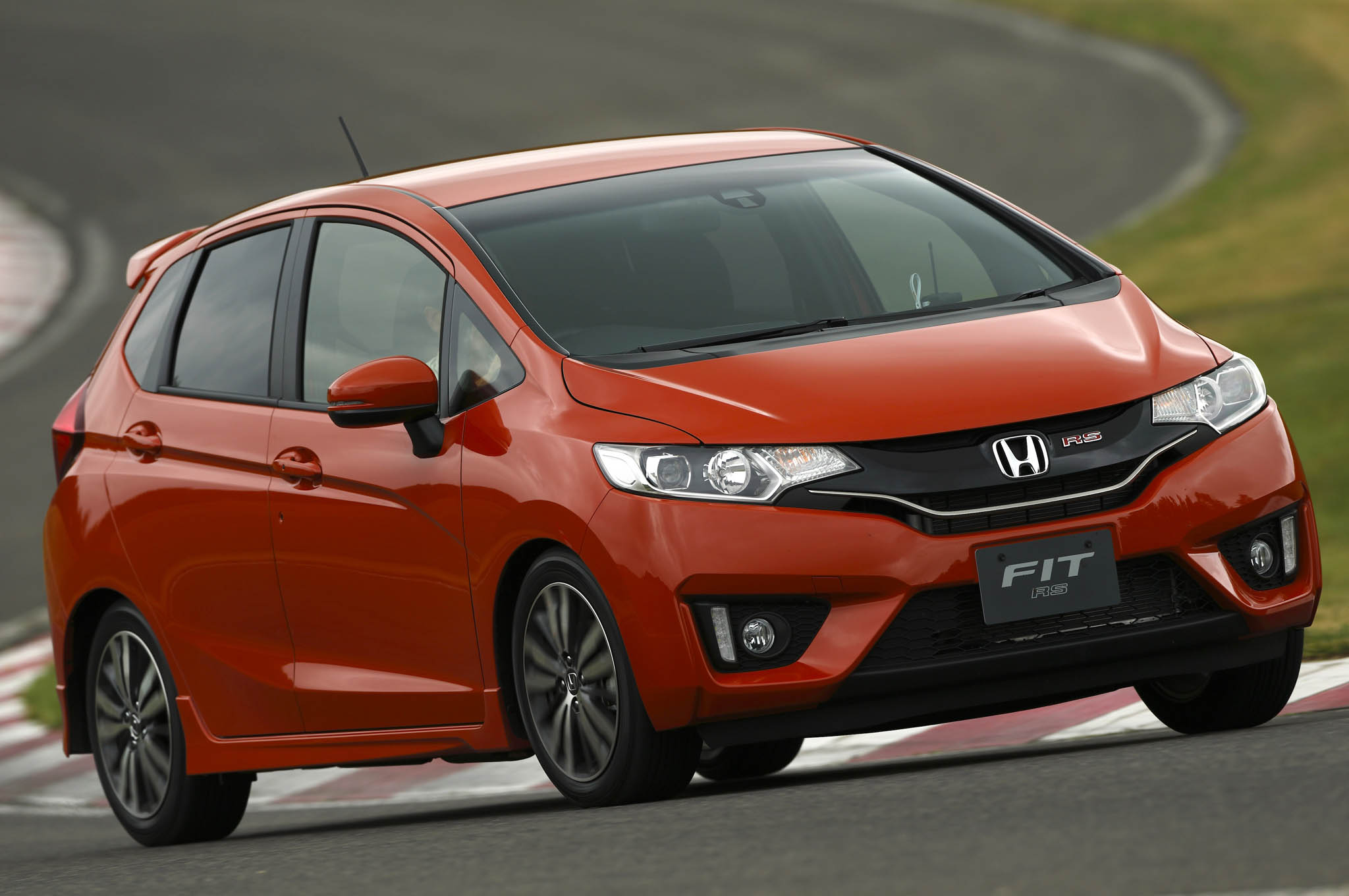 Honda Fit earns both the 5 Stars rating of NHTSA and Top Safety Pick of IIHS