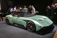 2016 Aston Martin Vulcan: the awesome power is about to hit the racetracks of the world